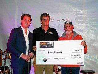 Don de 2000 € par la concession Jeanneau Marine WestPort-La-Forêt