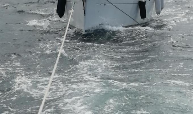 Remorquage d'un voilier